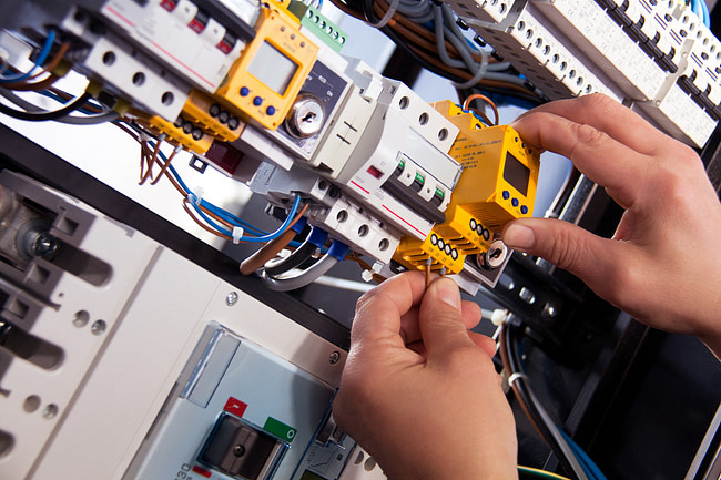 Clewlow Electrical guide to help in choosing a good electrician